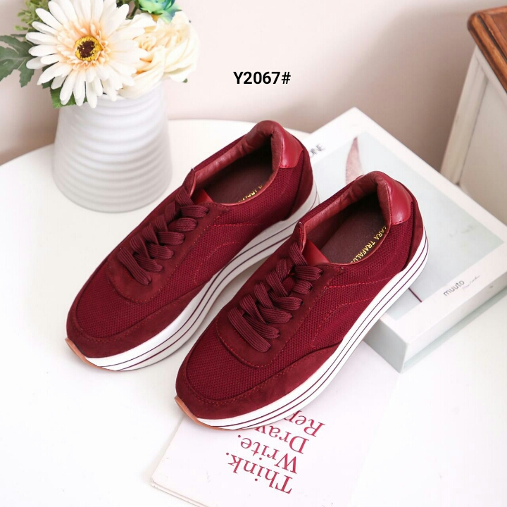 Model sepatu sneakers wanita terbaru 2020 indonesia ...