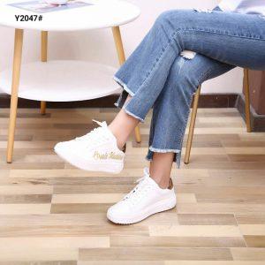 jual sepatu sneaker original 2020 Y2047SV
