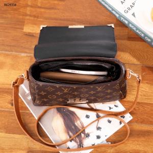 TAS LV selempang model baru kecil,Monogram Gold Hardware Handbag R62833 Semi Premium