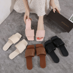 SANDAL WANITA BUAT KONDANGAN,Sandal Bottega Veneta Intrecciato Leather W7877 Semi Premium Kode SBO026