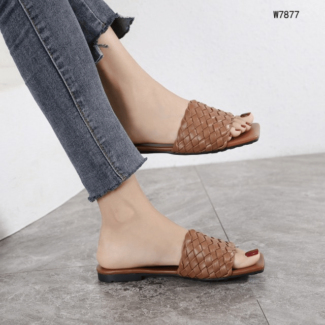 SANDAL WANITA BUAT KONDANGAN,Sandal Bottega Veneta Intrecciato Leather W7877 Semi Premium Kode SBO026 2