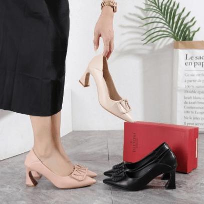 Sepatu KANTOR WANITA BRANDED TERBARU Valentino Heels A2 Platinum Kode SFA1324 2