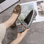 sepatu wanita branded batam bahan kanvas,Sepatu Gucci GG Canvas Double G Loafers Flats W921-8 Semi Premium Kode SGU231