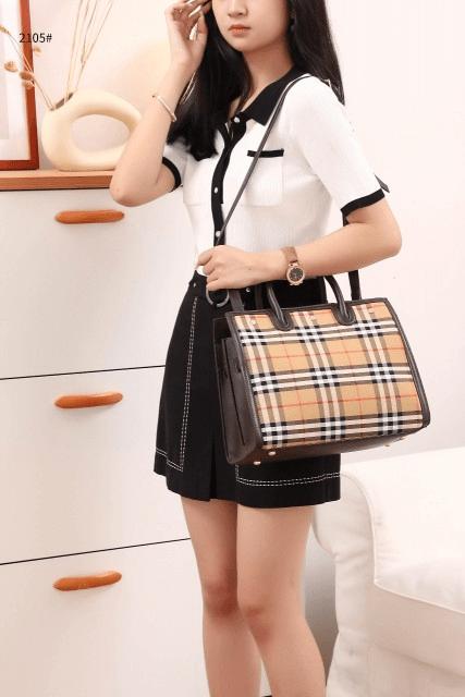 Tas Burberry Terbaru 2021,Medium Leather and Vintage Check Two-Handle Title Bag 2105 Semi Premium Kode BUR100 3