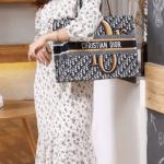 Tas branded batam,Tas wanita Terbaru,Christian Dior Book Tote Embroidery Handbag R60726 Semi Premium Kode CD4096