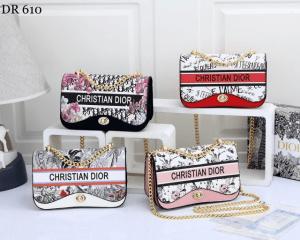 MODEL TAS SELEMPANG KECIL WANITA,Tas Chirstian Dior Crossbody 610 Semi Ori Kode CD4018