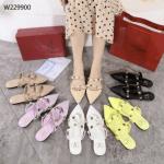 Sepatu Heels Branded, Sepatu wanita hak tinggi ,sepatu Valentino Garavani Rockstud Flats Sandals W229900 Semi Ori Kode SFA1333