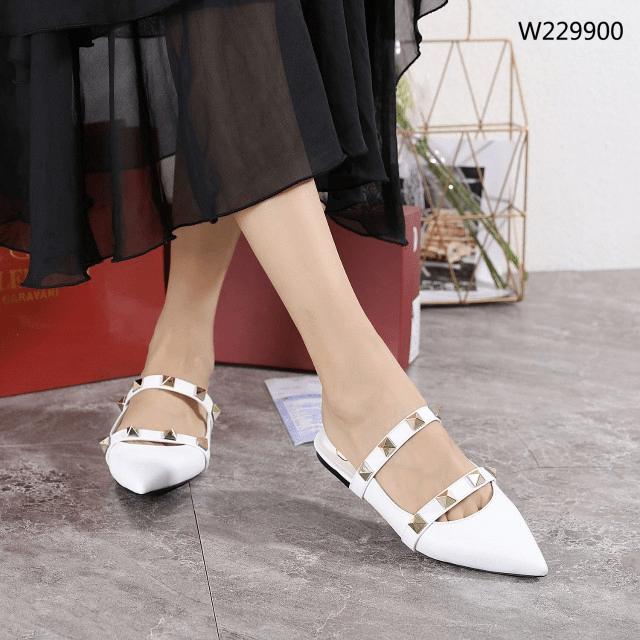 Sepatu Heels Branded, Sepatu wanita hak tinggi ,sepatu Valentino Garavani Rockstud Flats Sandals W229900 Semi Ori Kode SFA1333 3