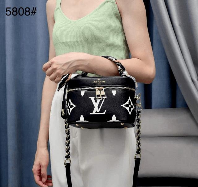 Tas louis vuitton selempang terbaru,tas lv selempang kecil terbaru,Tas Louis Vuitton Vanity Case 5808 Semi Premium Kode LVT101 3 5